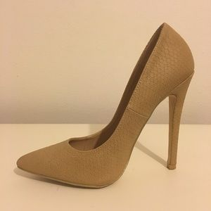 Charlotte Russe Pointed Toe Pumps